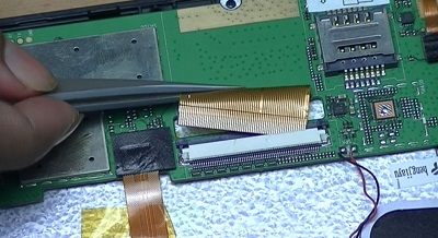 Removing the Display connector